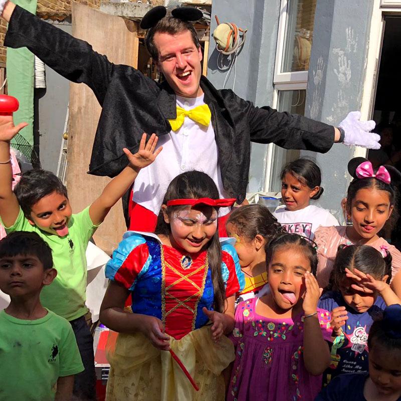 children's entertainer - mickey